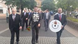 König der Schießabteilung Christian Suchan mit seinen Königsbegleitern Andreas Teschner und Stefan Kunst